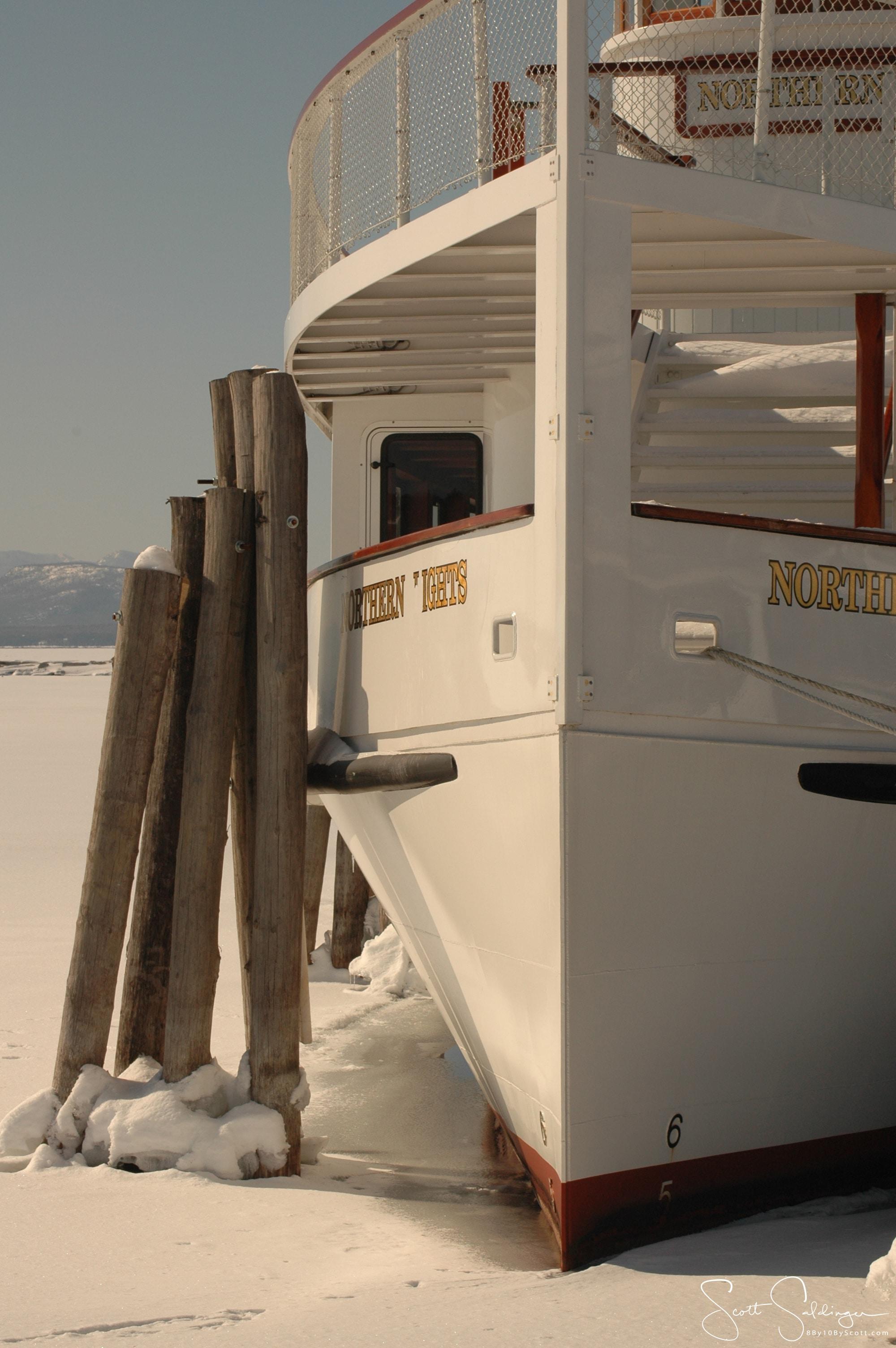 Frozen_Boat
